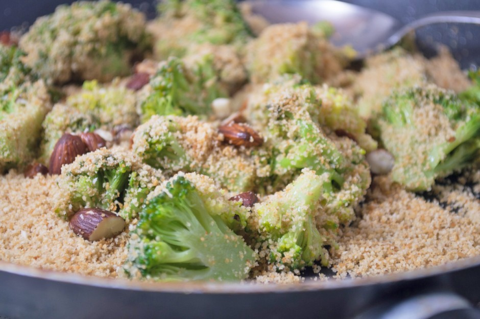 brokkoli-mit-mandeln.jpg