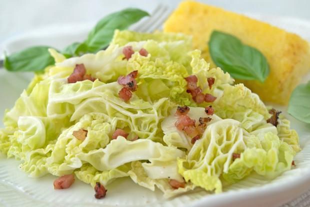 Zuckerhutsalat mit Speck