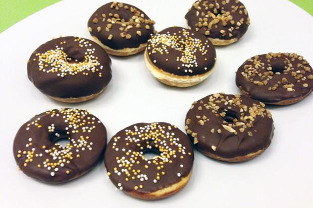 Donuts mit Schokoglasur