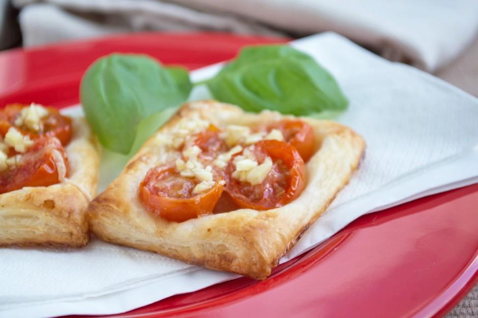tomaten-blaetterteighaeppchen.jpg