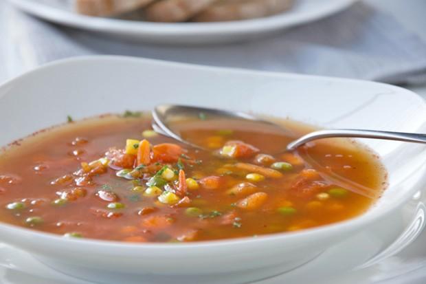 Safran-Gemüsesuppe