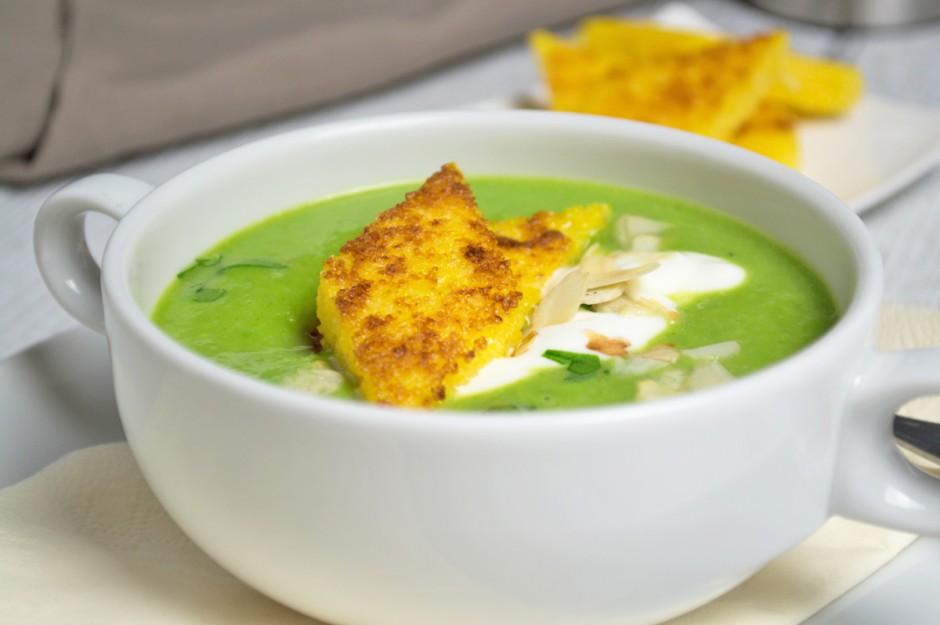 erbsen-minz-suppe-mit-polentaschnittchen.jpg