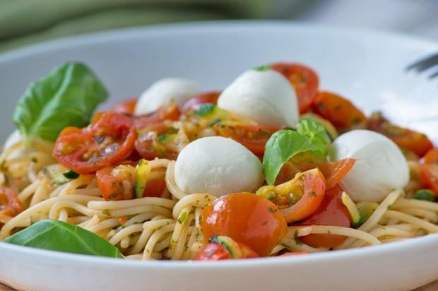 Zucchini-Tomaten-Spaghetti