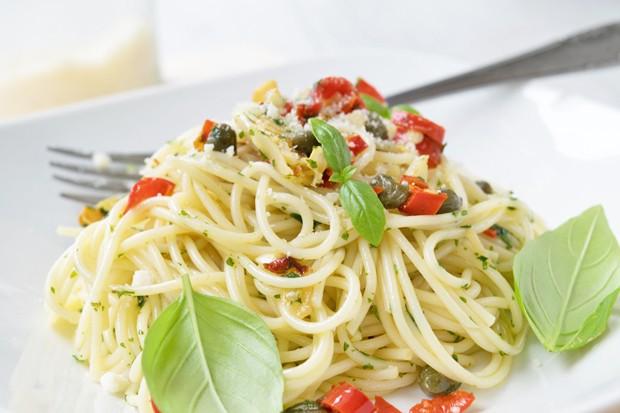 Würzige Kapern-Spaghetti