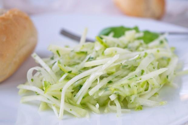 Kohlrabi-Gurken-Salat