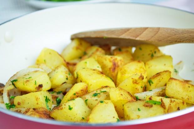 Bratkartoffel mit Zwiebel
