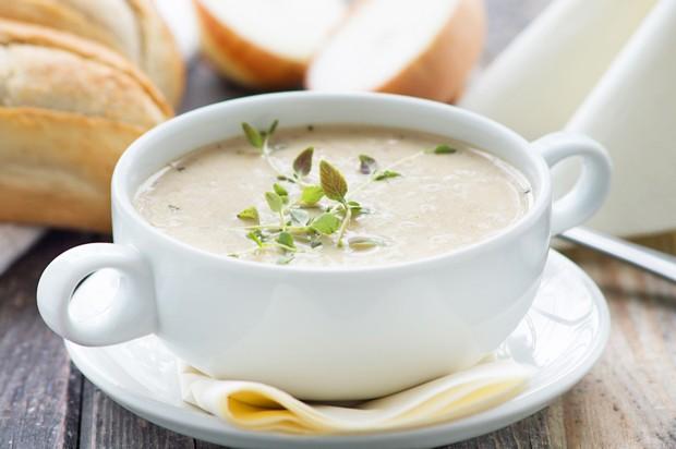 Zwiebel-Dinkel-Suppe