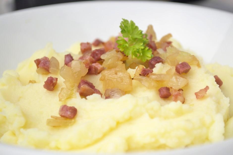 kartoffelbrei-mit-speck.jpg