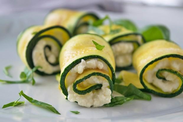 Zucchini-Gorgonzola Röllchen