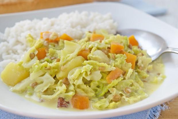 Veganes Kohl-Karotten Curry