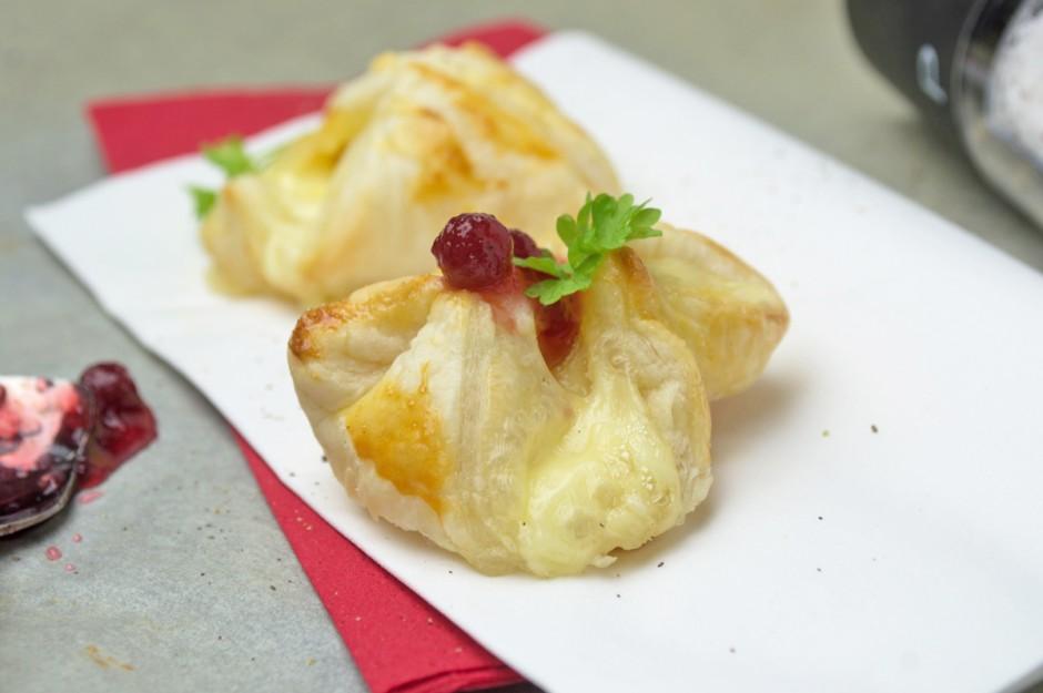 blaetterteig-camembert-snack.jpg