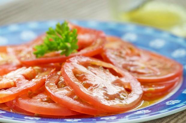 Tomatensalat mit Senf-Dressing
