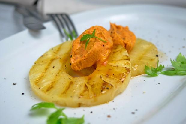 Paprika-Kräuter-Butter