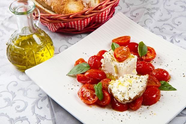 Tomatensalat mit Schafkäse