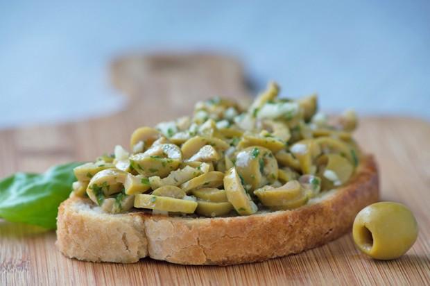 Olivenbruschetta