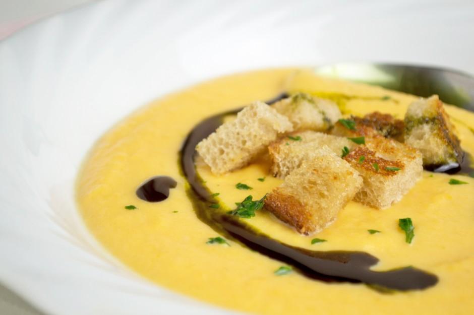 kuerbis-ingwer-suppe.jpg