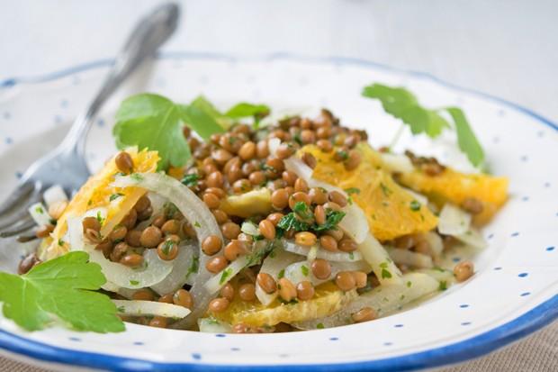Wurzelpetersilien-Salat mit Linsen