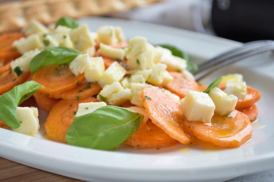 karotten-mozzarella-salat.jpg
