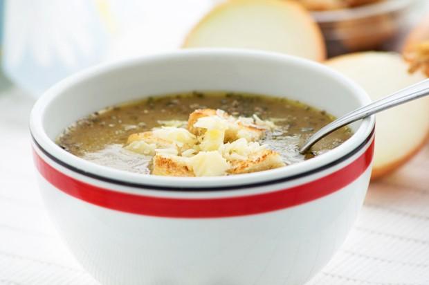 Pikante Zwiebelsuppe