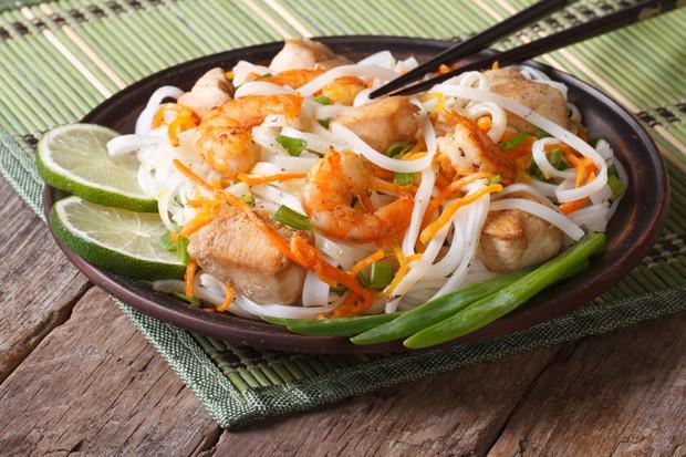 Thailandische Garnelen-Huhn Pfanne