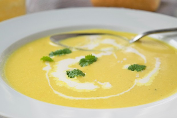 Ananas-Curry-Suppe