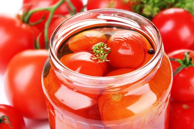 Feurig eingelegte Tomaten