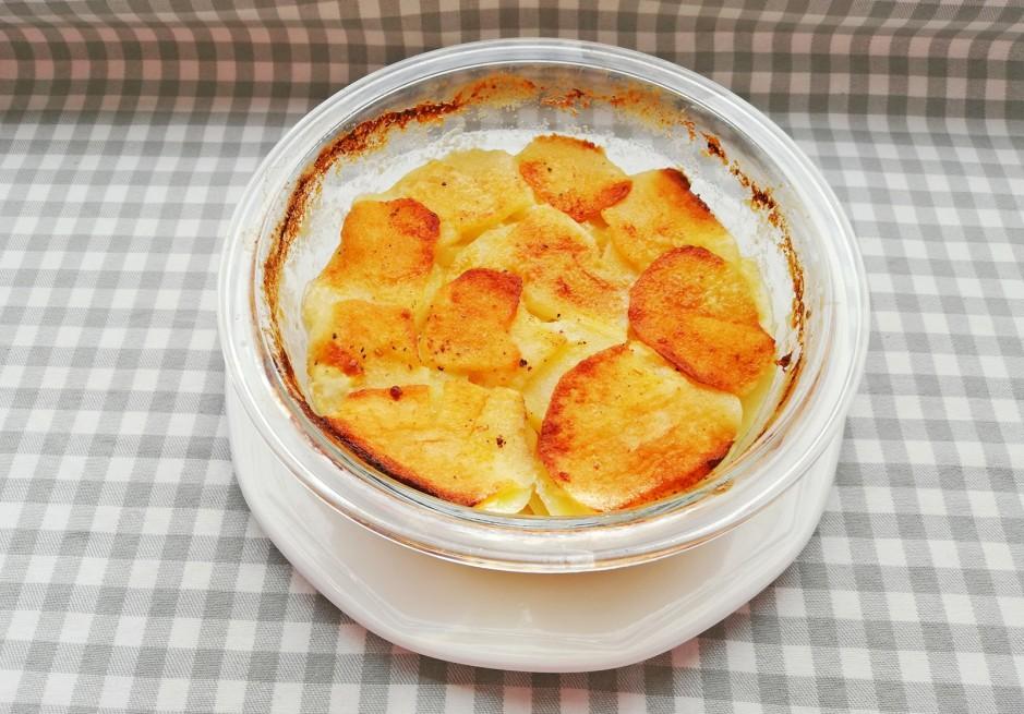 Kartoffelauflauf mit Apfel
