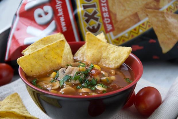 Mexikanische Suppe mit Tortilla Chips