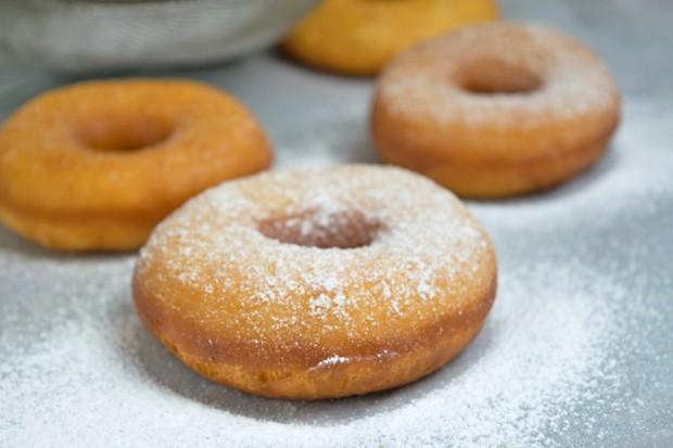 Zitronen-Donuts