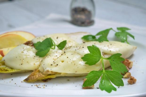Chicoree mit Mozzarella