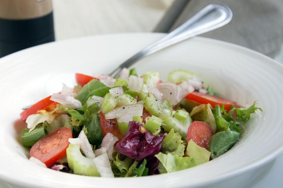 Gurken-Sellerie-Salat