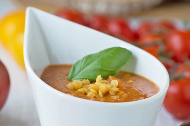 Vegane Tomaten-Linsen-Suppe