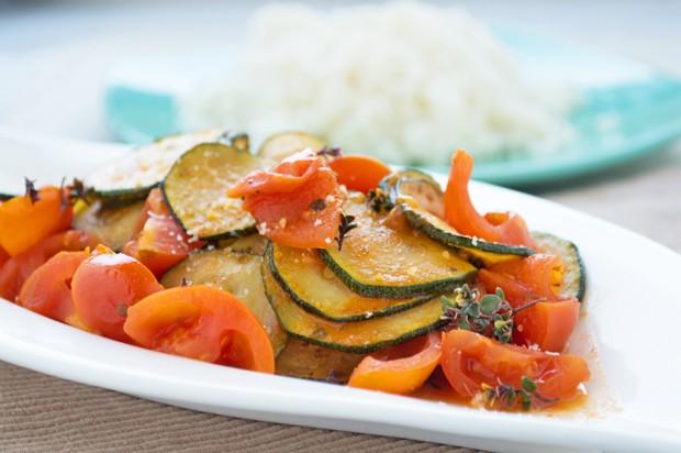 Zucchini-Tomaten-Gemüse