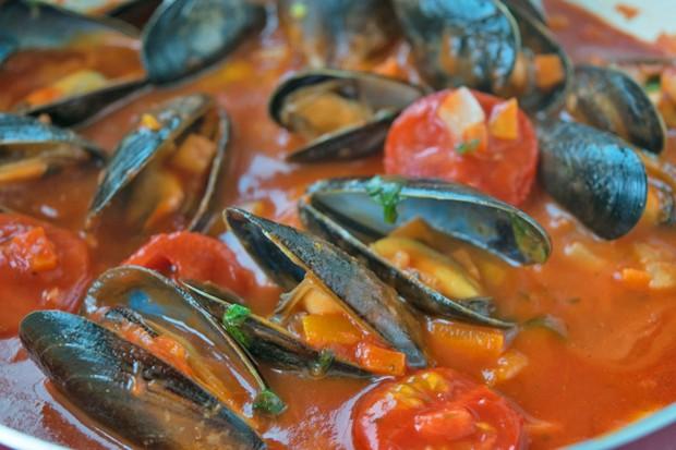 Muscheln mit Tomatensauce