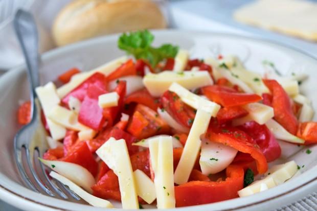 Paprika-Gauda-Salat