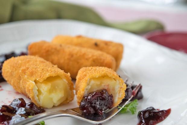 Gebackener Camembert mit Kirschenchutney