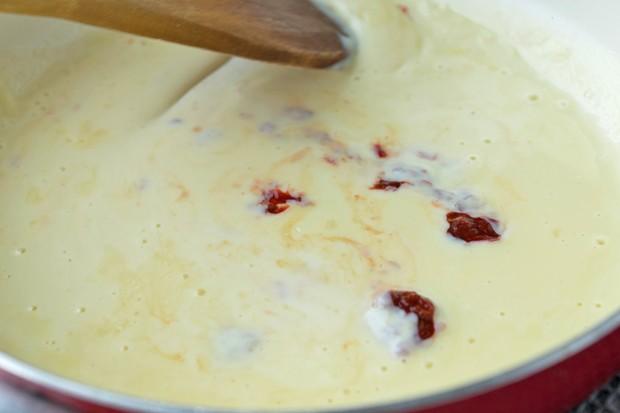 Scharfe Käsesauce