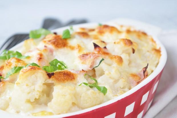 Karfiol mit Schinken und Käse überbacken