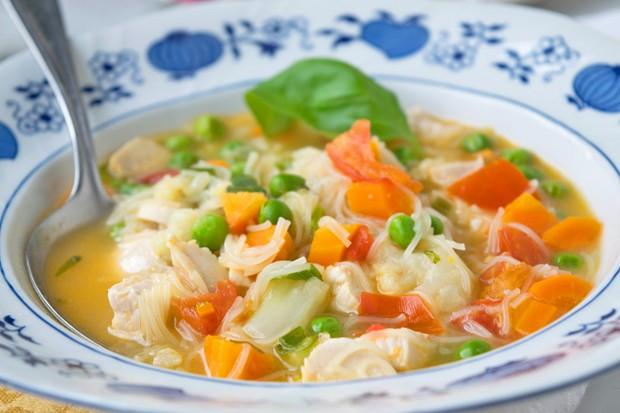 Suppe mit Pute und Gemüse