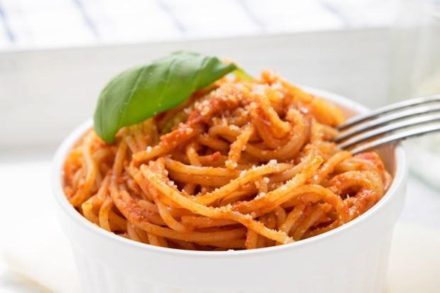 Tomaten-Pesto mit Oregano