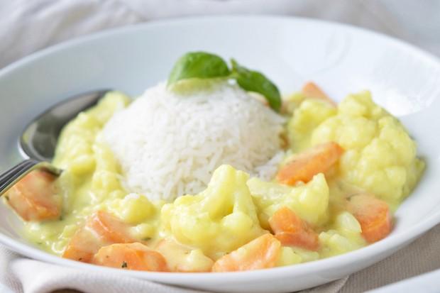Curry mit Karfiol und Karotten