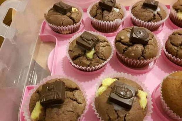 Gefüllte Muffins mit Pudding