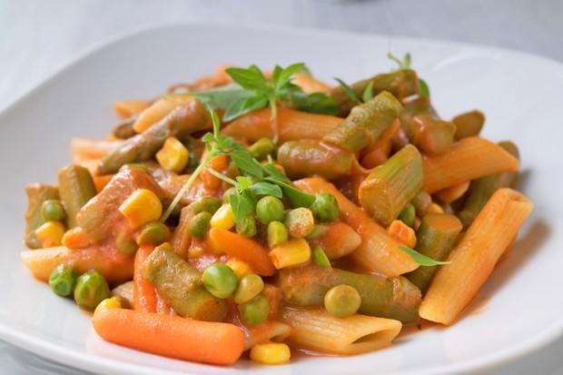Vollkornpasta mit Gemüse
