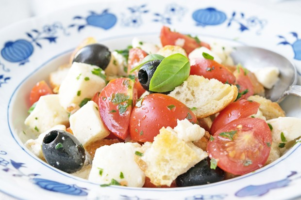 Italienischer Ciabatta-Salat