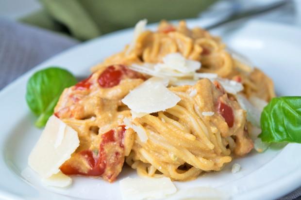 Spaghetti mit Avocado