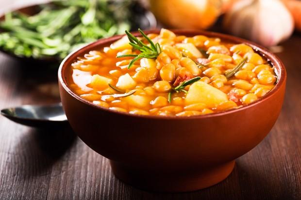 Bohnensuppe mit Würstel