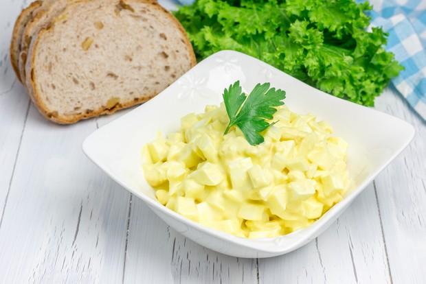 Eiersalat mit Mayonnaise