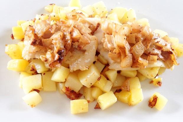 Fisch auf Kartoffelbett