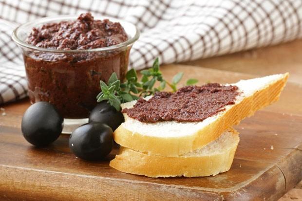 Olivenaufstrich mit schwarzen Oliven
