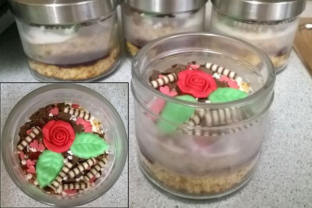 Haselnusskuchen im Glas